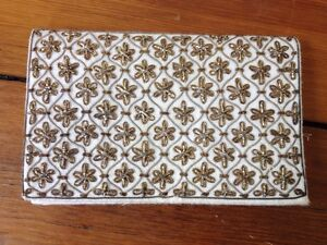 Vintage-Schildkraut-Brothers-White-Gold-Stars-Clutch-Purse-Small-Formal-Handbag