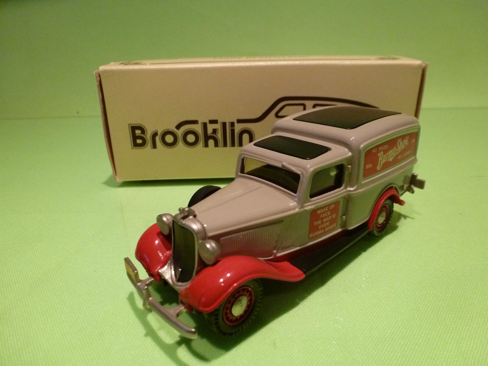 BROOKLIN MODELS BRK 16 DODGE VAN - BURMA SHAVE - 1936 - 1 43 - RARE SELTEN- NMIB