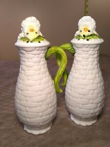 Lefton-sunflowers-salt-and-pepper-shakers-signed-by-George-z-Lefton-4124-6-5-034