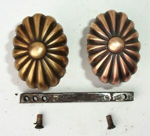 Antique Vintage Art Nouveau Victorian Ornate Small Oval Door Knobs Spindle