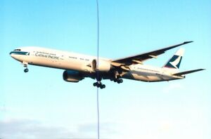CIVIL AIRCRAFT PHOTO CATHAY PACIFIC PHOTOGRAPH B-KQC PLANE PICTURE BOEING 777.