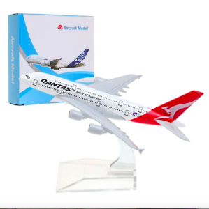 PLANE-MODELS-DIECAST-METAL-AIRPLANES-14-16cm-Qantas-Singapore-Emirates-etc
