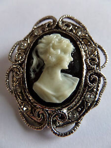 SILVER-GOTHIC-STEAMPUNK-VICTORIAN-EDWARDIAN-VINTAGE-STYLE-CAMEO-BROOCH-new-boxed