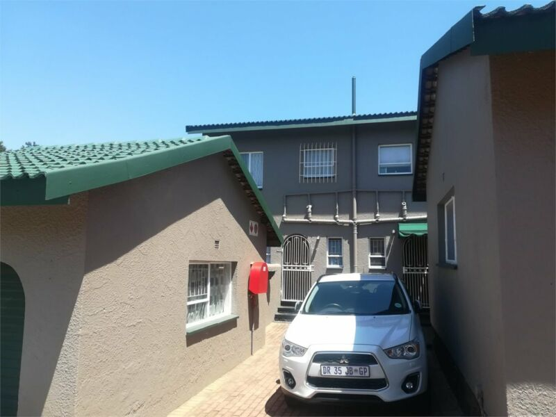 Townhouse in Krugersdorp now available
