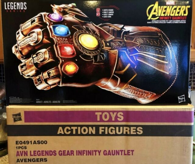 Marvel E0491 Legends Series Articulated Electronic Infinity Gauntlet
