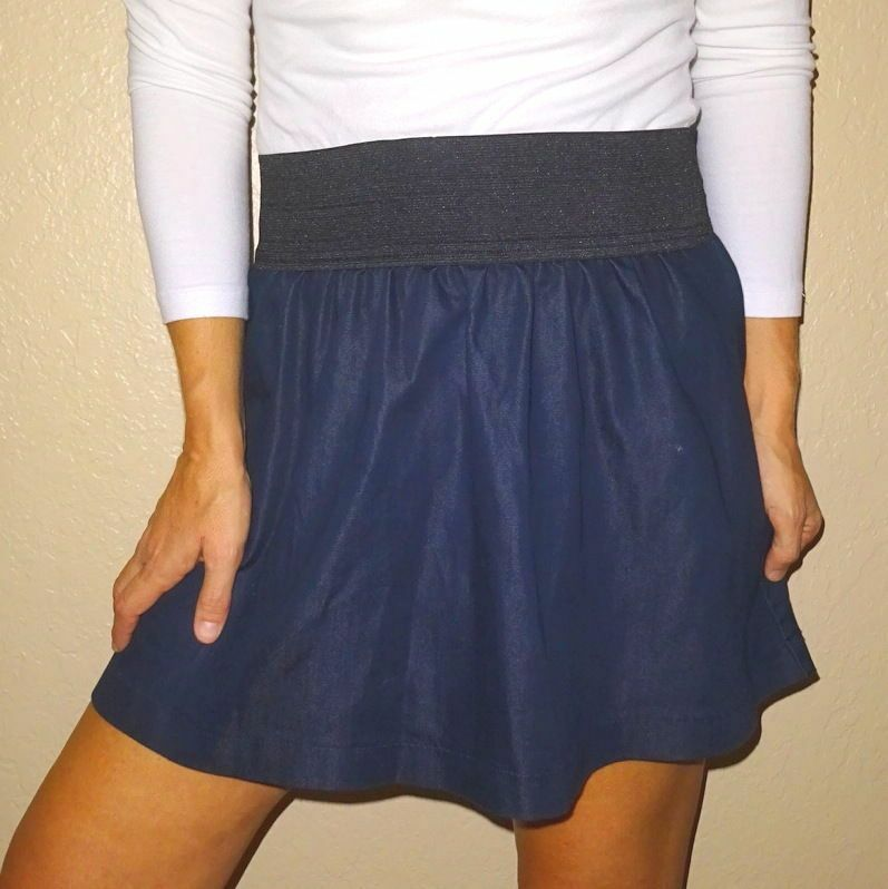 Miley Cyrus navy womens sexy twirl pleat cotton skirt  S MileyCyrus
