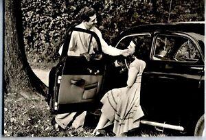 Girl-amp-Car-Automobile-Motori-Coppia-con-Fiat-1400-Berlina-PC-1950s-Vera-Foto