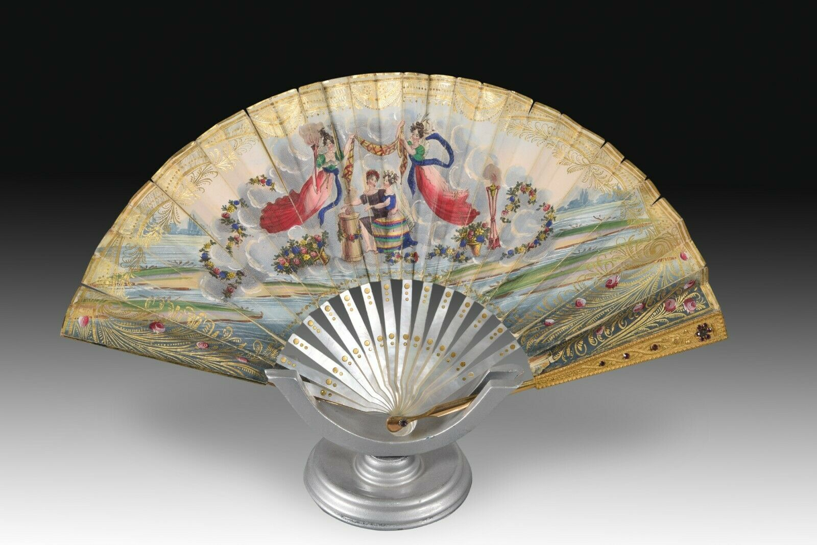 Hand fan. Paper, mother of pearl. 18th-19th centuries.