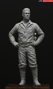 Life Miniatures US Tank Commander WW2 120mm 1 16th Unpainted figure kit