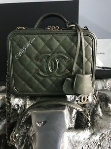 d1b476da5e89 Image is loading NWT-CHANEL-IRIDESCENT-GREEN-VANITY-CASE-CAVIAR-FILIGREE-