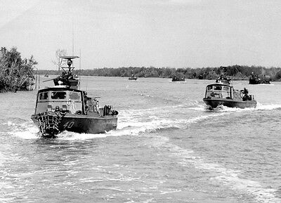 "U.S. MILITARY FAST PATROL CRAFT BOATS VIETNAM WAR 8"" X 10"""