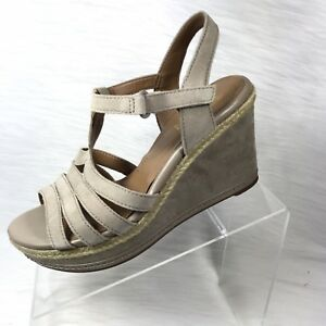 2d0bc10efd0 Image is loading Clarks-Collection-Women-039-s-Platform-Sandals-Gray-
