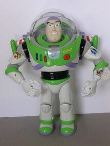 Histoire de jouets à la mouche Buzz L'eclair