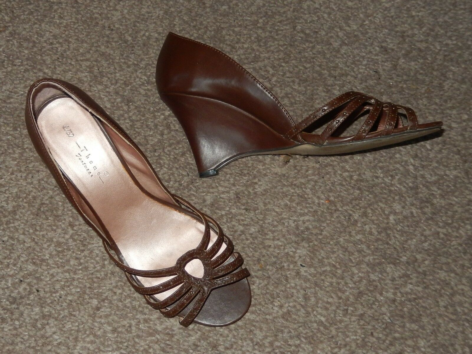 BROWN CLOSED BACK WEDGE SANDALS / / SHOES SIZE 6 / SANDALS 39 THEME FOOTWEAR 748a42