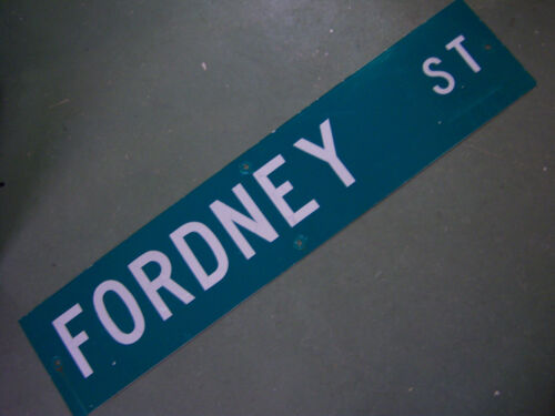 "Vintage ORIGINAL FORDNEY ST STREET SIGN 42/"" X 9/"" WHITE LETTERING ON GREEN"