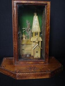 Belle-eglise-en-marqueterie-de-paille-miniature-church-marquetry