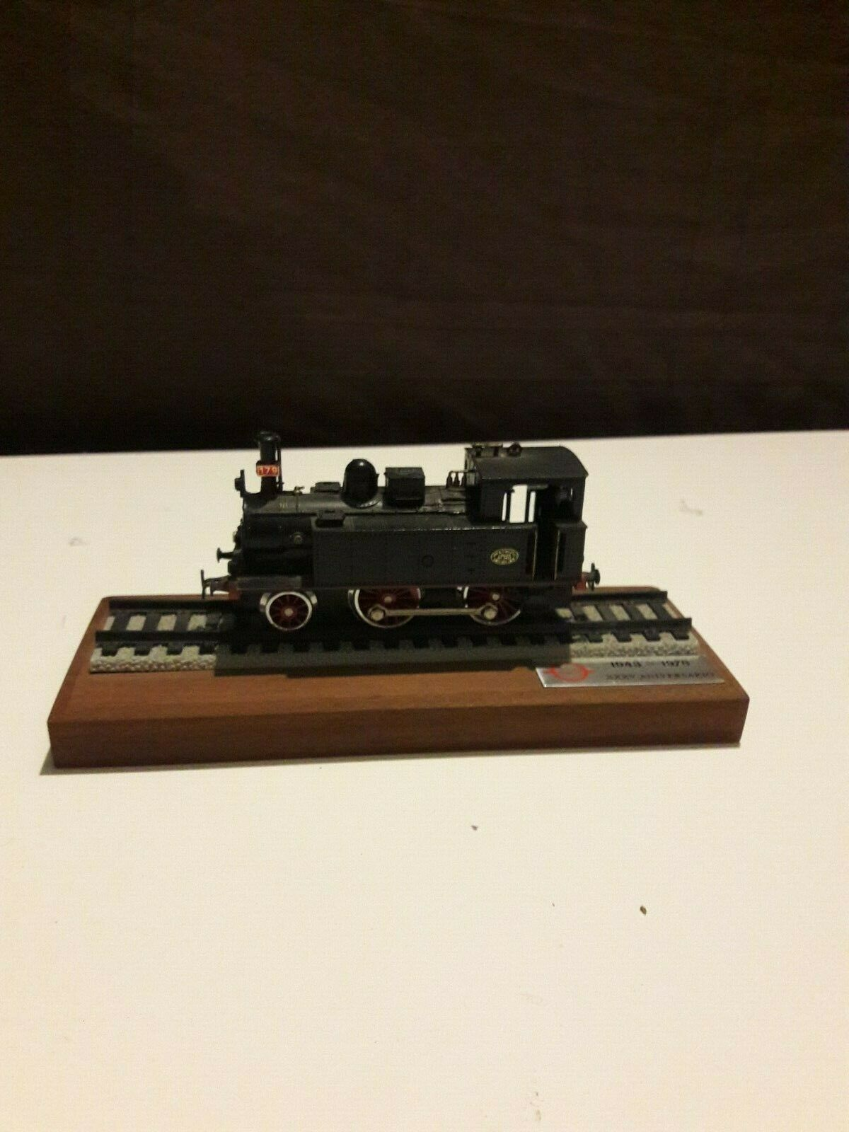 Lot - electrossoren 1 Locomotive et 4 wagons