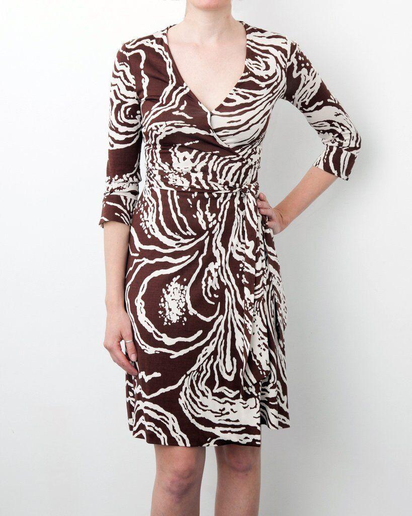 Diane von Furstenberg DVF braun Cream Abstract Silk Wrap Dress Größe UK4 US 0