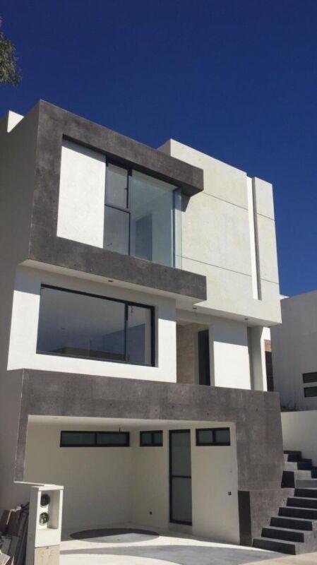 Renta de Casa nueva en Aqua Zona Esmeralda