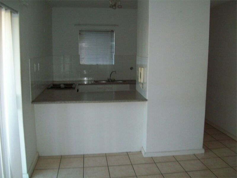 CENTRAL THREE BEDROOM APARTMENT IN PARKLANDS