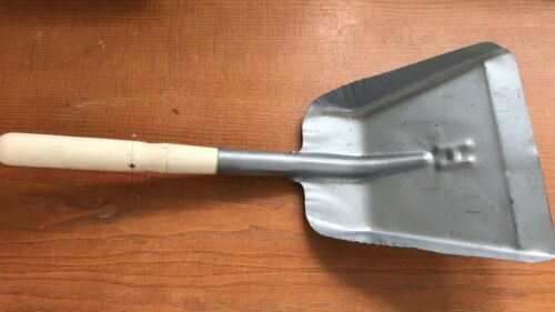 CANMAC SMALL Metal Coal Shovel Wooden Handle