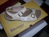 Beige Leather Drew Daphne Comfort Sandal Orthopedic 7 1/2
