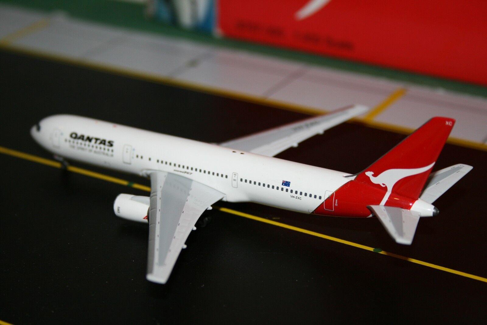 BigBird Big Bird 1 400 Qantas Boeing 767-300 VH-ZXC (BB4-2004-XX) (BB4-2004-XX) (BB4-2004-XX) Model Plane 442d03