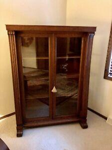 Handsome-Turn-of-the-Century-Quarter-Sawn-Oak-Veneer-Display-Case-Bookcase