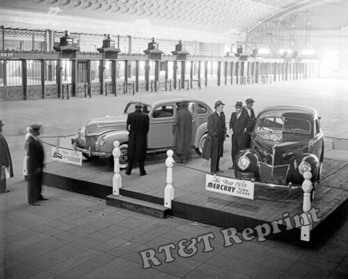 Photograph Vintage 1939 Ford Mercury Display Union Station Chicago 1938   8x10