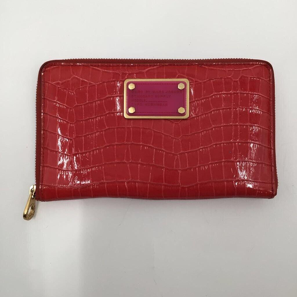 Marc Jacobs Womens Bifold Wallet Red Crocodile Embossed Card Slots Zipper