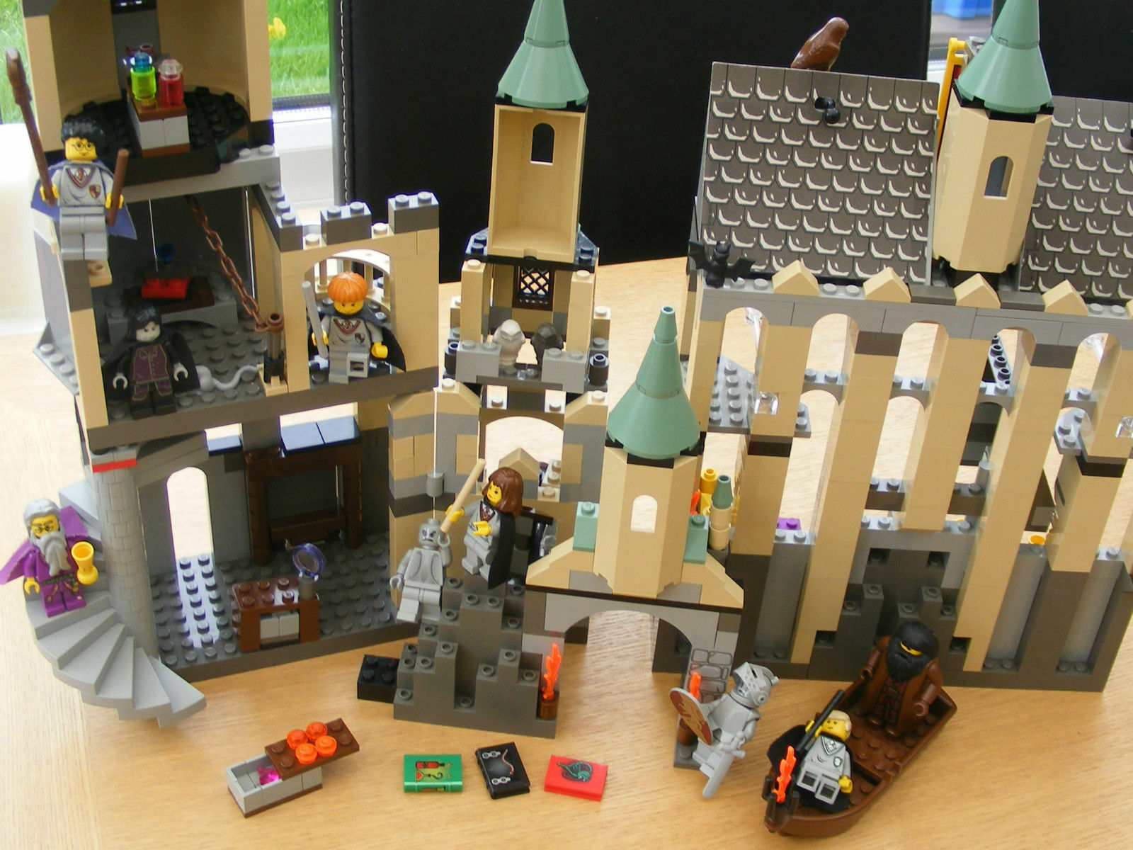 Lego HARRY POTTER 4709 HOGWARTS CASTLE COMPLETE + INSTRUCTIONS GOOD COND. REF103