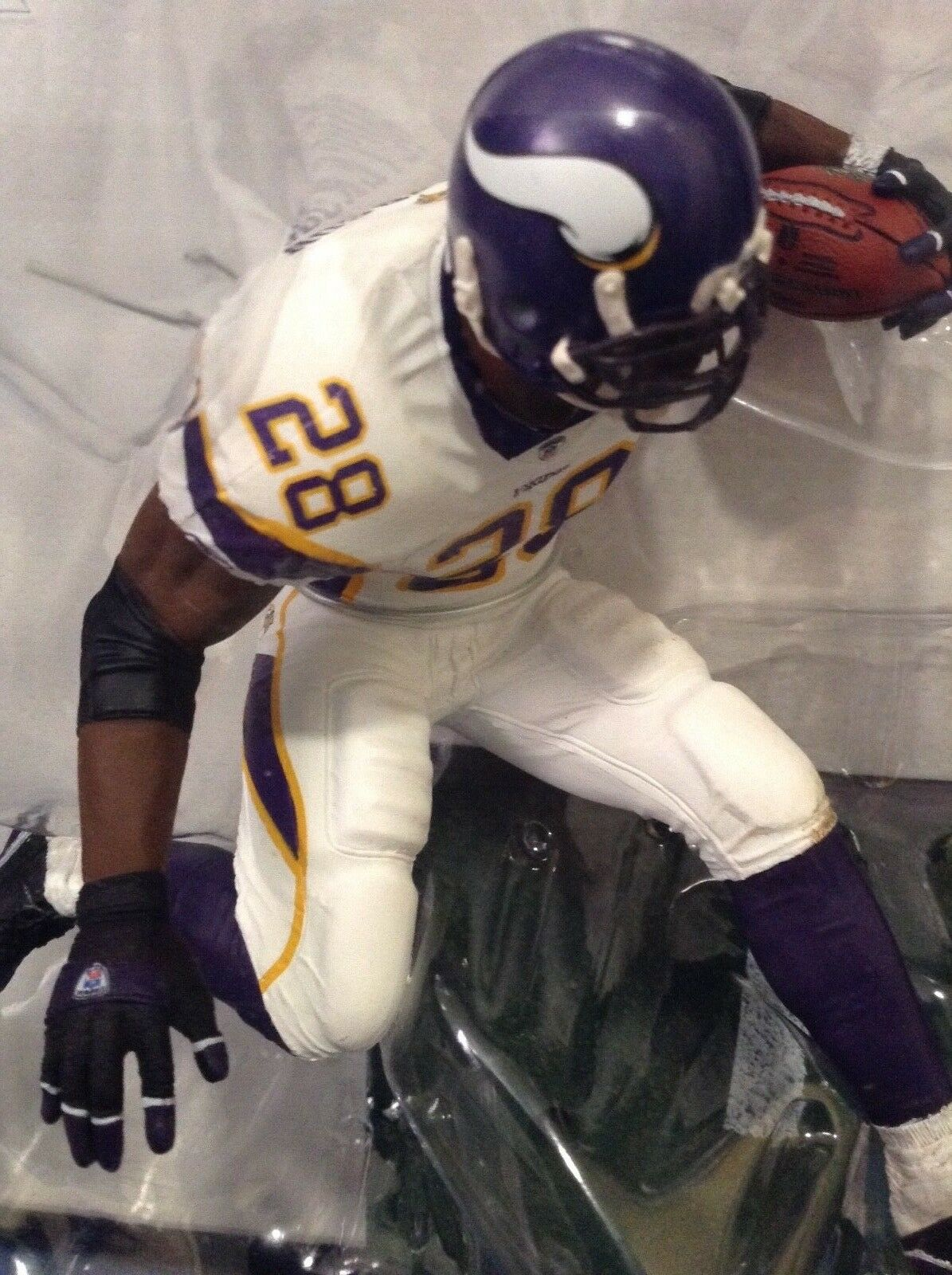 SUPER LOW No.MINNESOTA VIKINGS ADRIAN PETERSON   McFARLANES SERIES 22