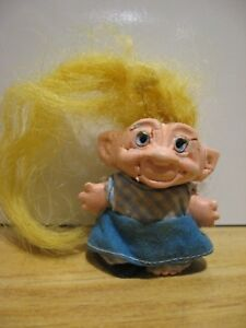 S-H-E-1964-Vintage-Troll-Pencil-Topper-SHE-1964-Clothes-one-shoe-no-eyes