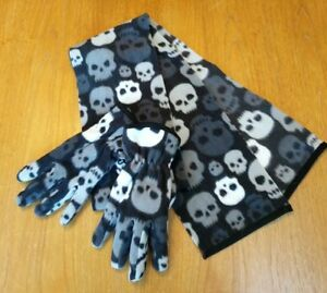 b320e7fcb1 Details about 2 piece Athletech black and grey fleece skull scarf and glove  set, youth OSFM