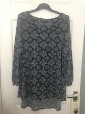 Evans Size 26 28 Tunic Top Black Flower Pattern