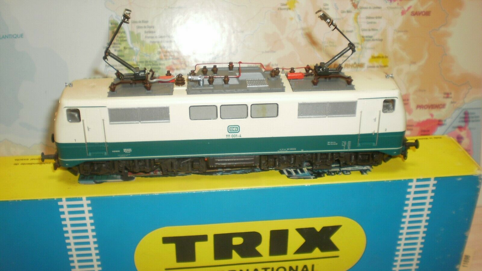 Loco électrique 111.001-4 Trix DB HO