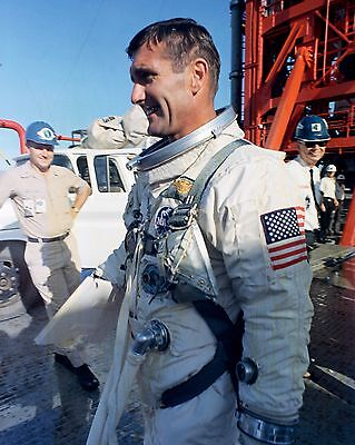 8X10 NASA PHOTO AA-488 JIM LOVELL GEMINI 7 ASTRONAUT HAS SPACESUIT ADJUSTED