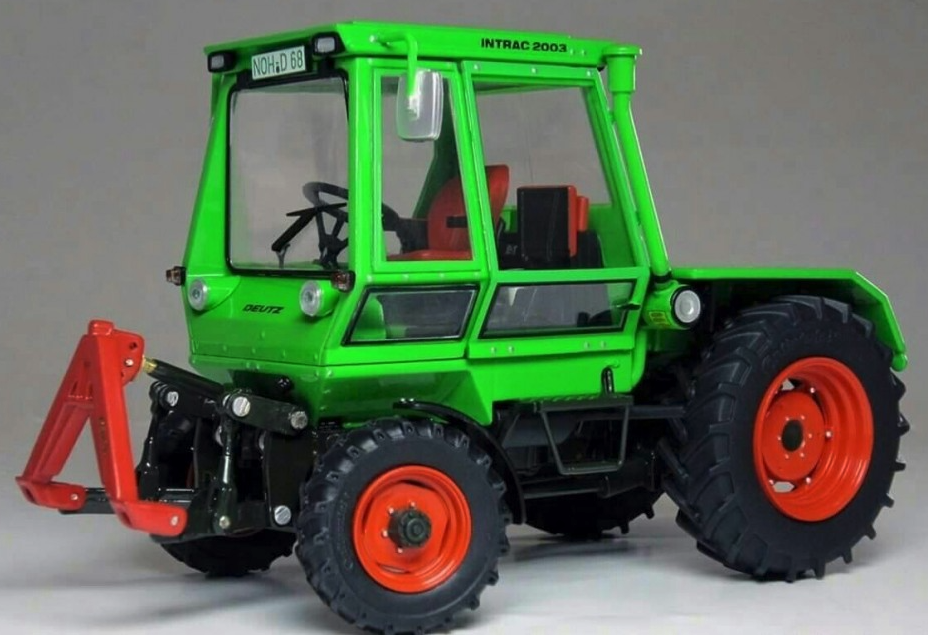 Femmeière-toys 1:32 Scale DEUTZ Intrac Intrac Intrac 2003 A 1974 1978 (1052) | Technologies De Pointe  17346b