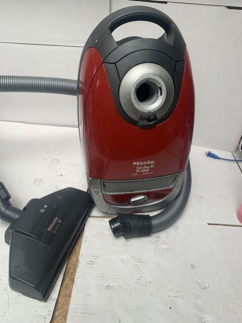Miele Cat & Dog TT5000 Vaccum Cleaner Working