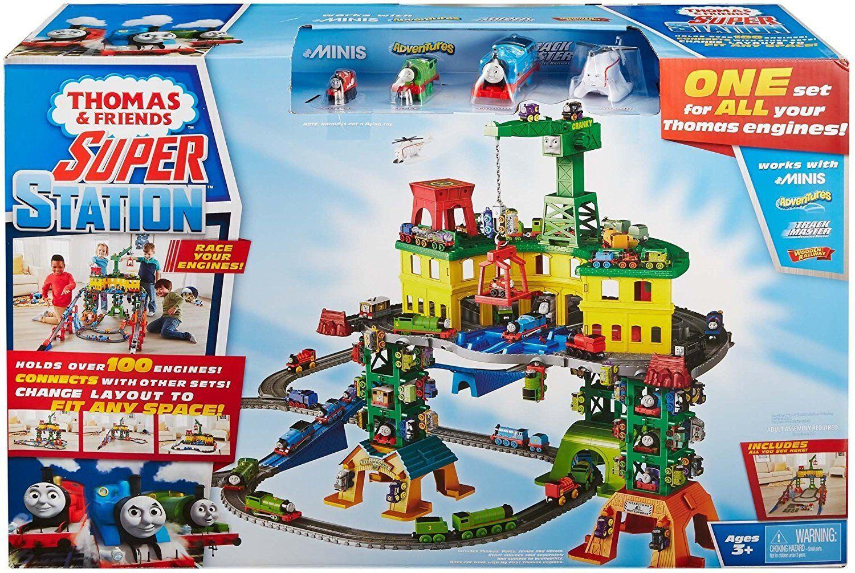 Mattel MT221 La Mega Stazione del Trenino Thomas 3 3 3 Livelli Pista 10 metri 2019 49a9d7