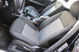 Mercedes-Benz-A-Klasse-W169-Innenausstattung-Sitze-Stoff-Stoffsitze-Sitzheizung