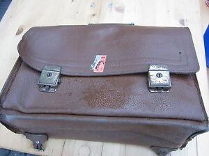Schulranzen-alt-Schultasche-Ranzen-antik-Retro-70er