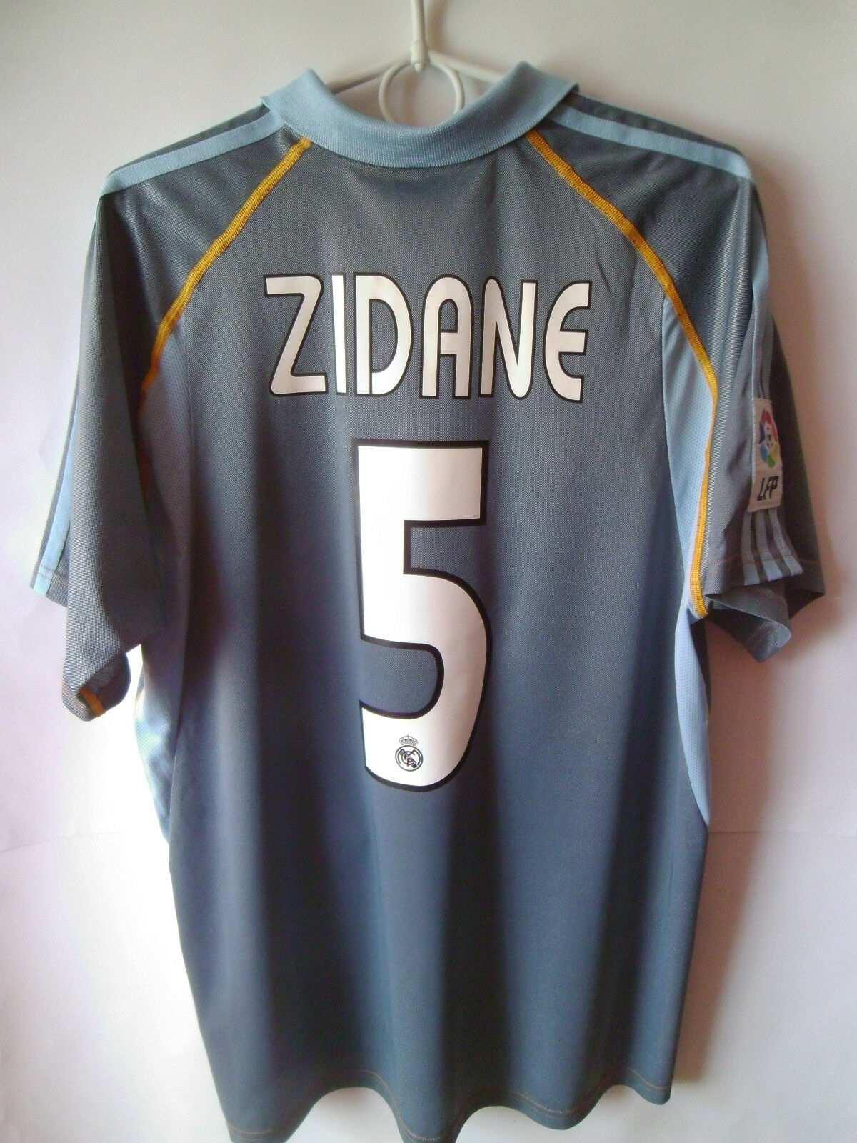 ZIDANE     Real Madrid Third Shirt Shirt Shirt 2003 - 2004 Jersey Trikot S f546cd