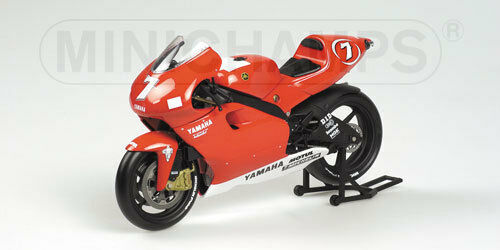 Yamaha YZR 500 2001 1 12  7 Carlos Checa