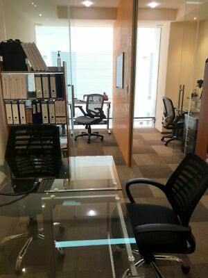 Rento oficina en plaza La Antigua