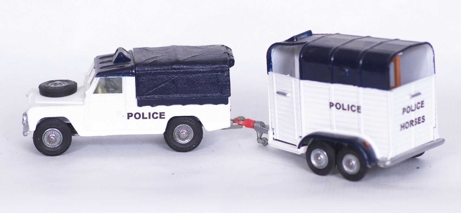 CORGI TOYS  LAND ROVER & RICE PONY TRAILER POLICE SET   CODE 3