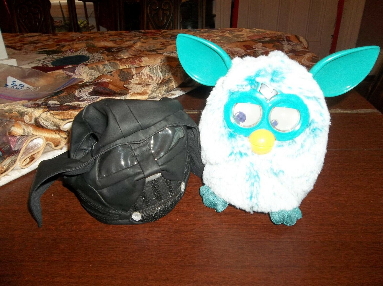 FURBY --Very Interactive Teal Weiß with a Darth Vader Costume COOL