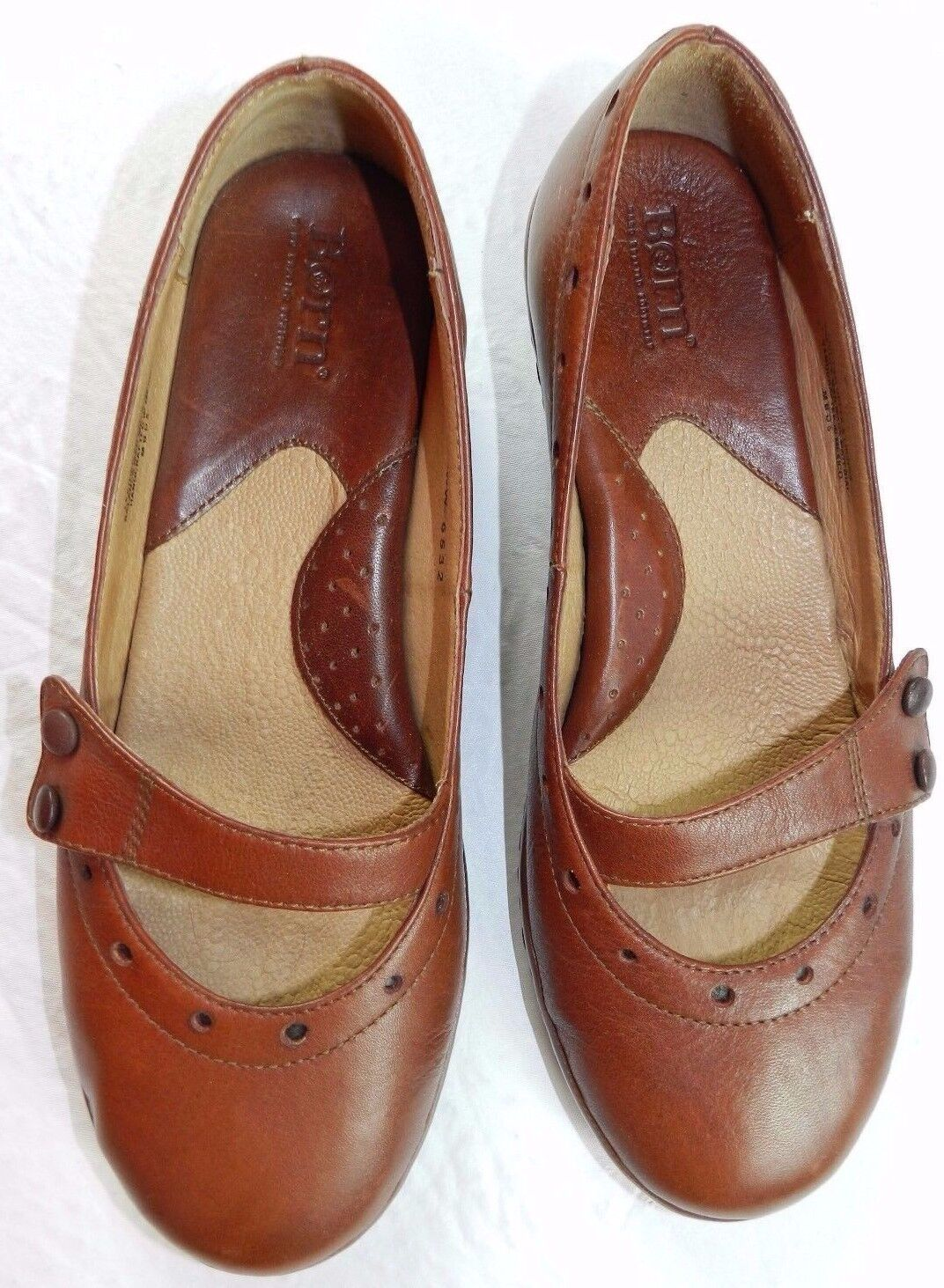 WOMENS brown slip on Mary Jane SHOES = BORN = SIZE 8/39 = gz17