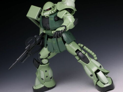 GUNDAM BANDAI RG REAL GRADE MODEL KIT 1//144 #04 MS-06F ZAKU II GREEN FIGURE