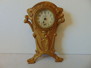Vintage New Haven Table/Dresser Clock